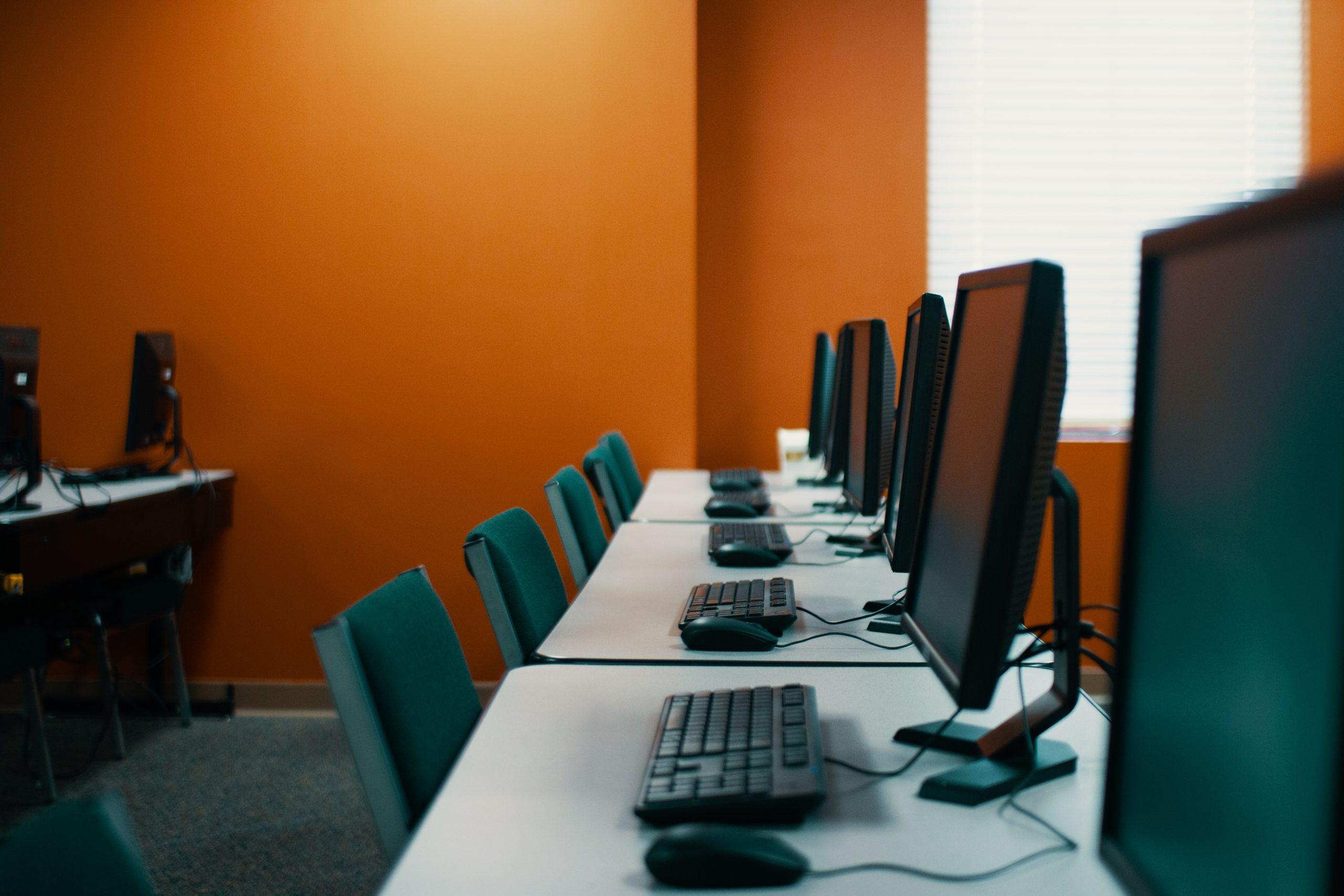 Revize výuky informatiky na středních školách, co se vlastně děje?